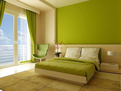 Спальня, окрашенная в разных цветах – стильно и недорого.