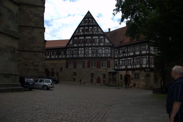 Старинный фахверковый дом в городе Эсслинген (Германия).