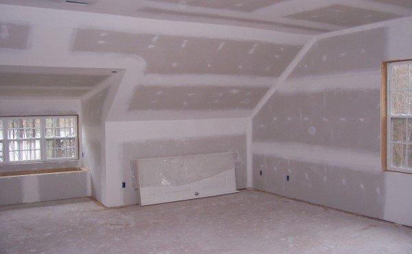 Стены очень удобно выравнивать гипроком