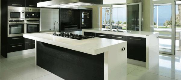 Столешница для кухни из кварцевого камня: эту деталь интерьера можно создать своими руками.