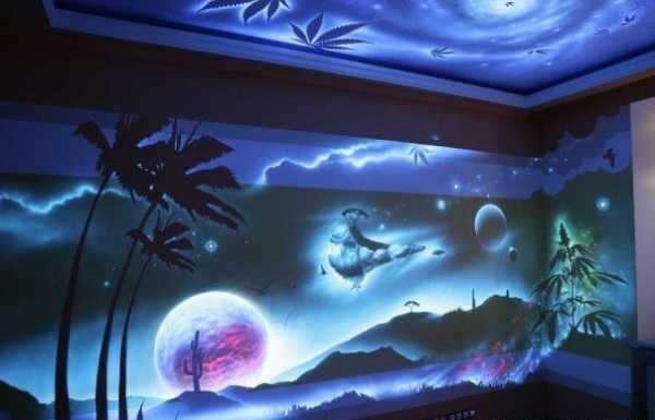 Светящаяся отделка комнаты