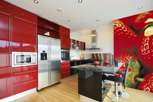 Тематические фотообои на стене кухни способствуют увеличению аппетита