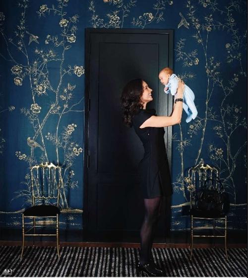 Темная отделка стен - это не всегда мрачная атмосфера в помещении