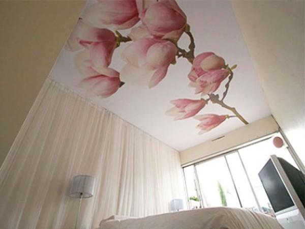 Тканевый потолок в интерьере спальни