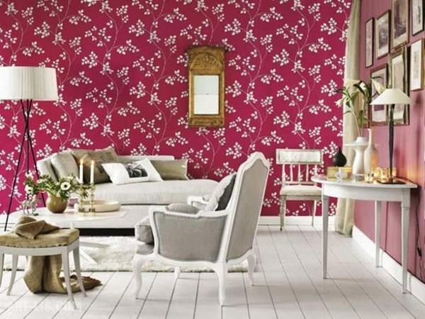 Цветочный принт в классически оформленной гостиной