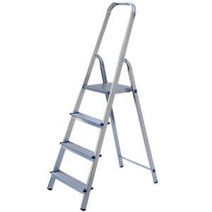 Удобная стремянка для осуществления работ под потолком или на его поверхности