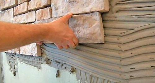 Отделка фасада искусственным камнем: видео-инструкция по монтажу своими руками, фото