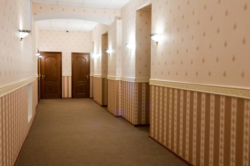 В больших комнатах работать проще.