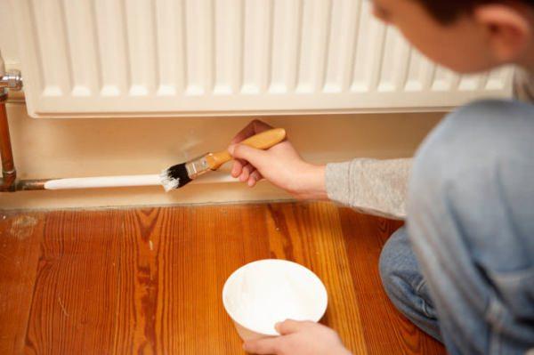 В домашних условиях место грунтовки на металлических трубах отопления