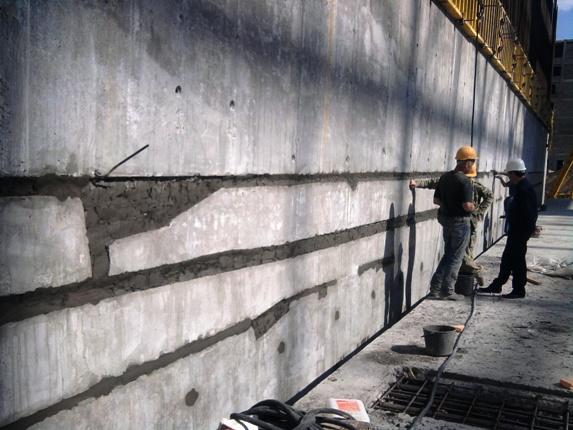 Вот одна из самых распространенных комбинаций – штукатурка и бетон – при гидроизоляции капитальных сооружений
