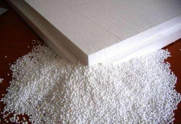 Вспененный пластик является недорогим и универсальным материалом.