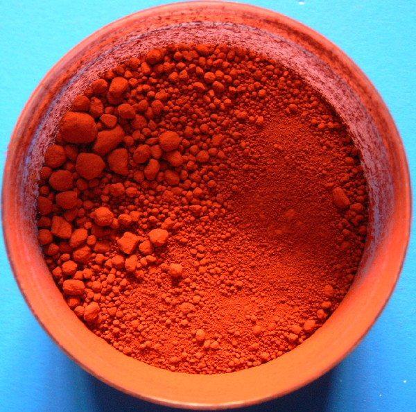 Железный сурик – типичный представитель ахроматического пигмента.